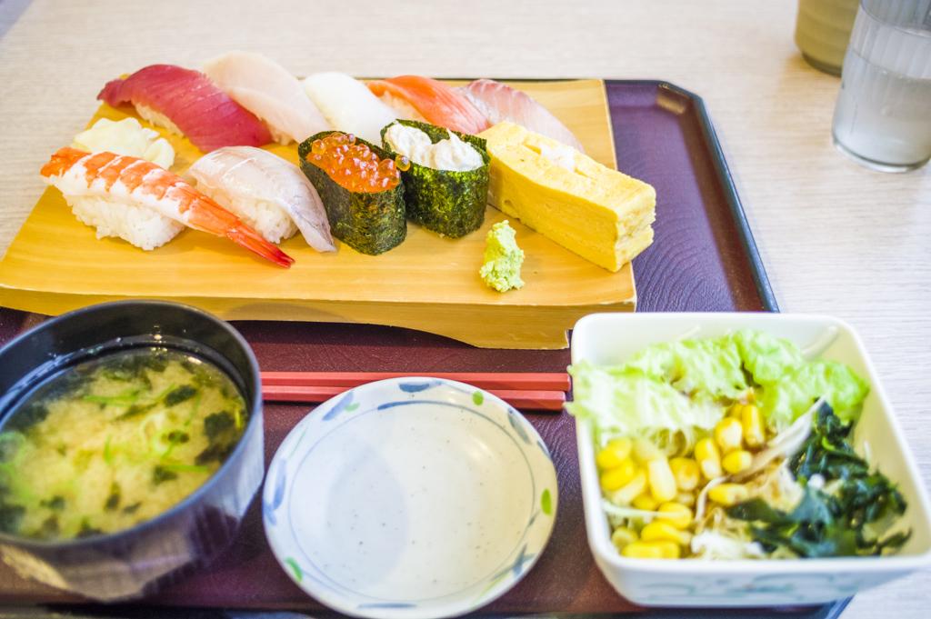 富士山静岡空港の食事限定メニュー寿司