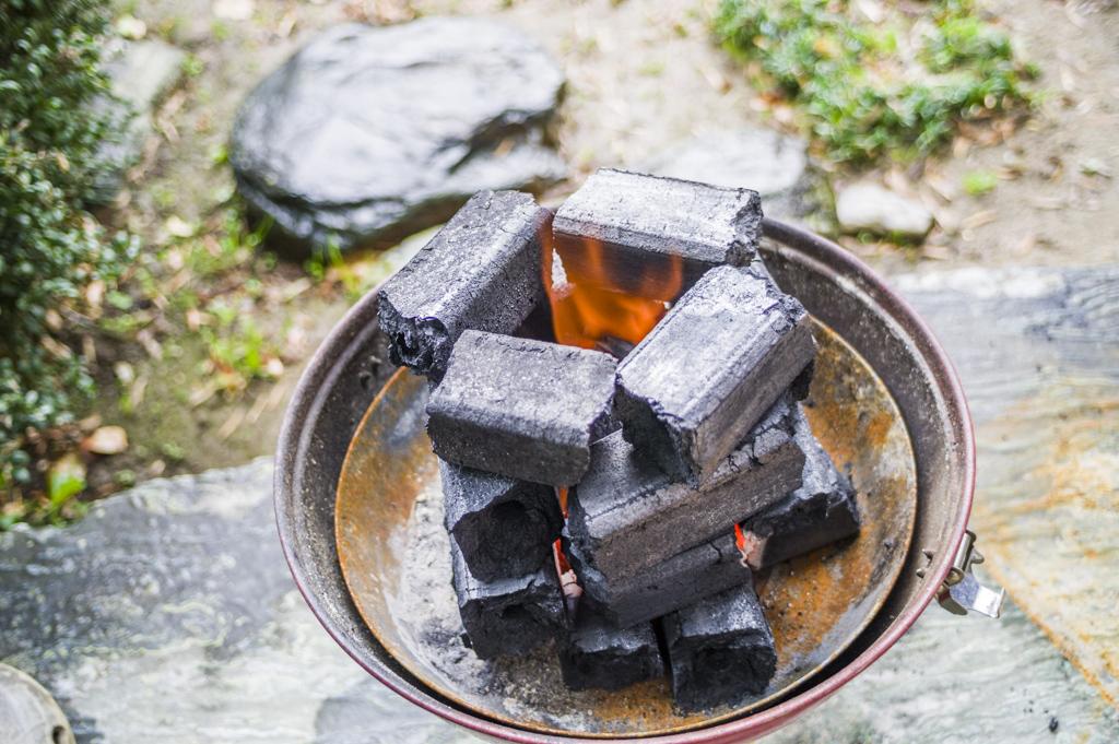 オガ備長炭だけで煙突効果