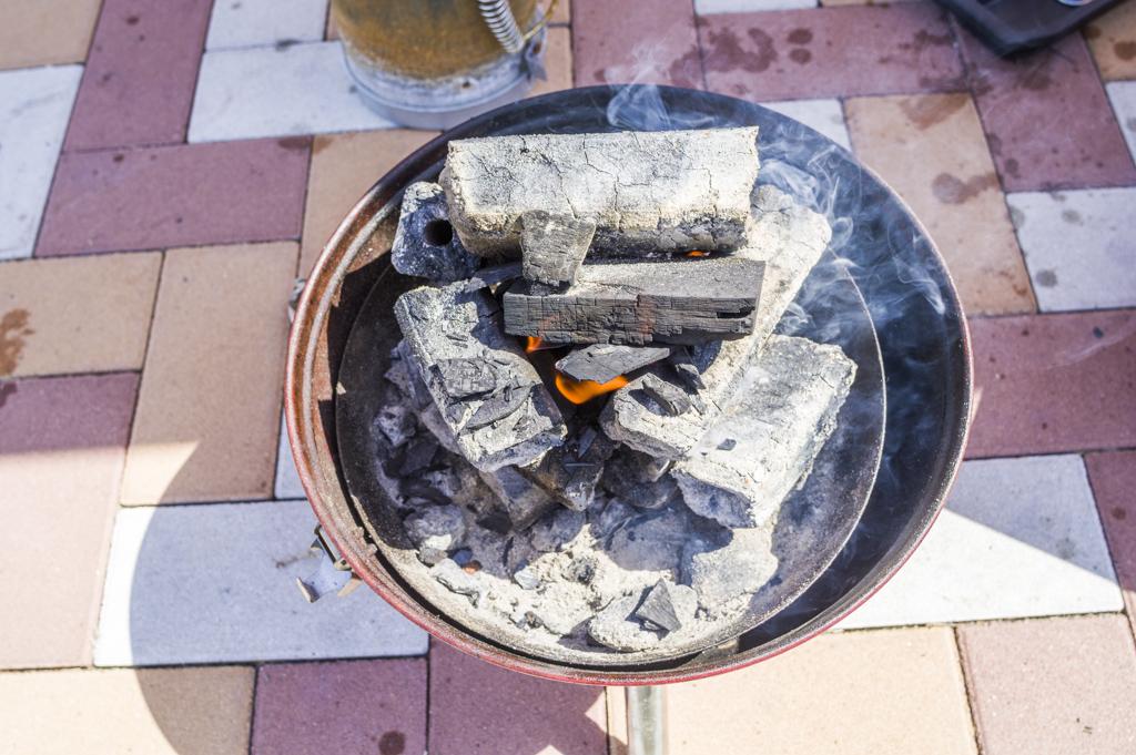 消し炭になっていればオガ炭でも火起こしは簡単