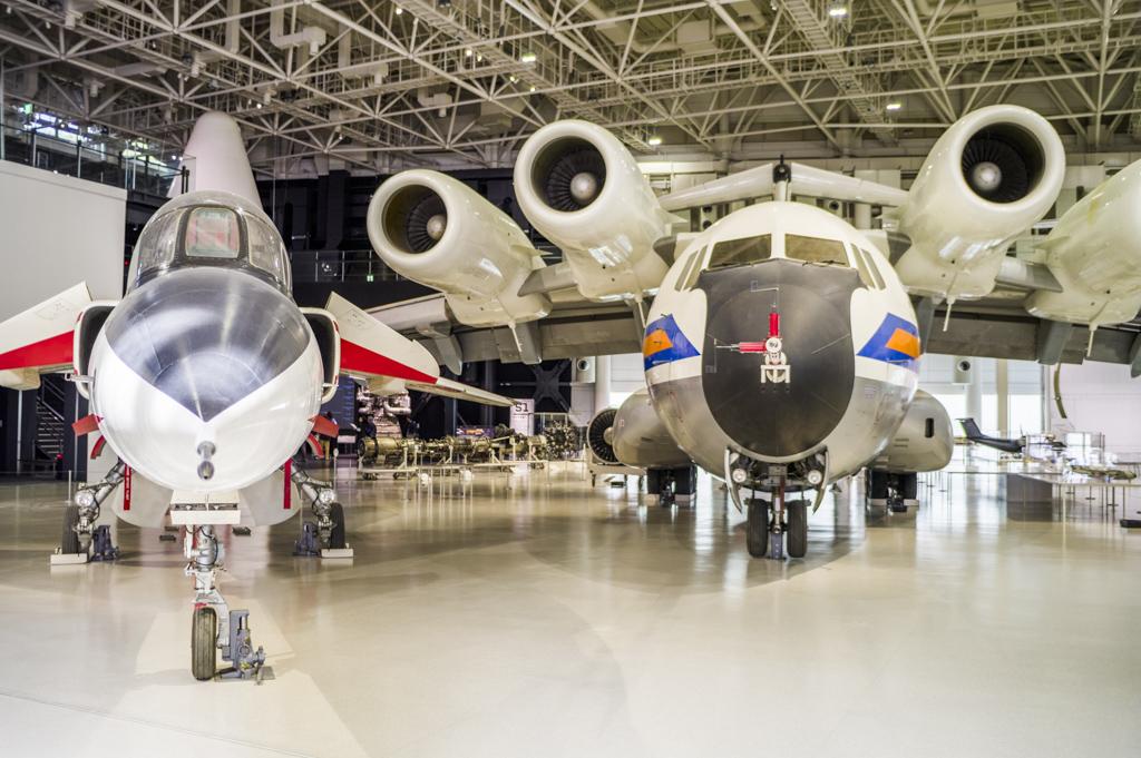 T2-CCVと飛鳥の展示