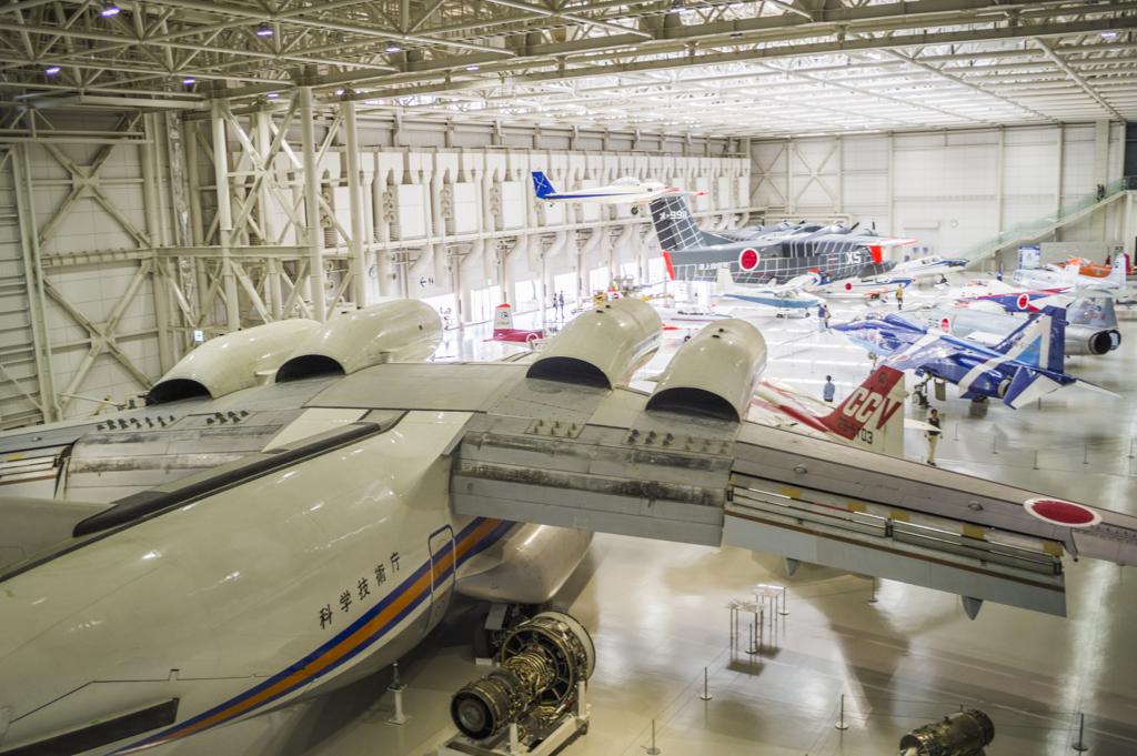 岐阜かかみがはら航空宇宙博物館の格納庫景色