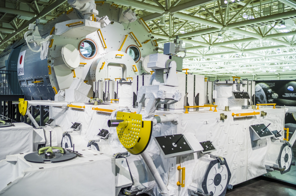 岐阜かかみがはら航空宇宙博物館の国際宇宙ステーションきぼうレプリカ展示