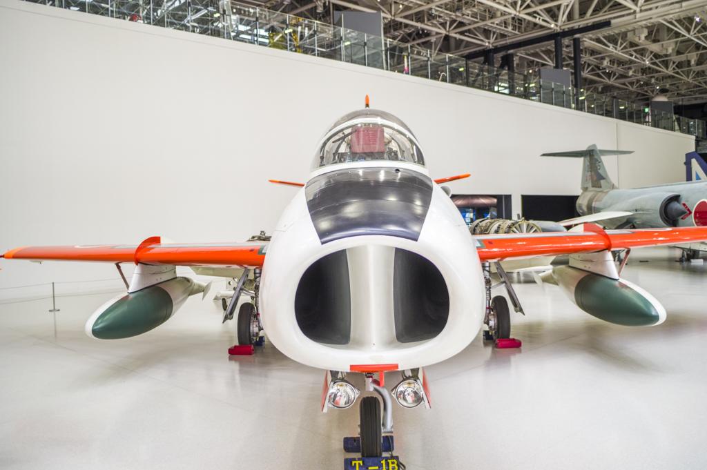 T-1B練習機の展示