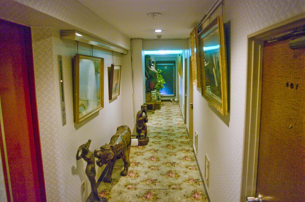 ナイトミュージアム リアル冒険 レトロホテル