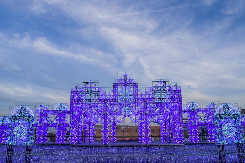 夕暮れラグナシアの青の宮殿