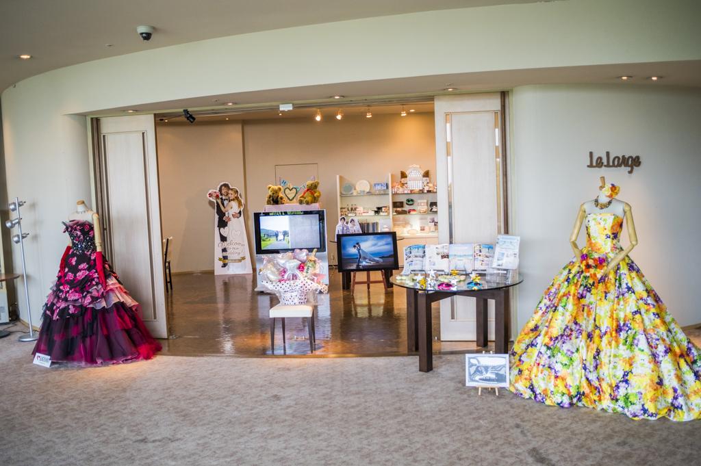 三重のリゾートホテルタラサ志摩のブライダルサロンとウェディングドレス