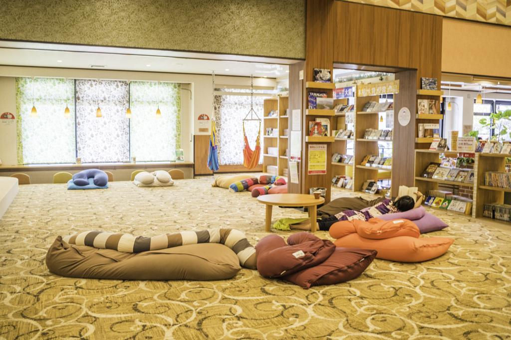 rakuspacafe浜松らくスパカフェのくつろぎスペース