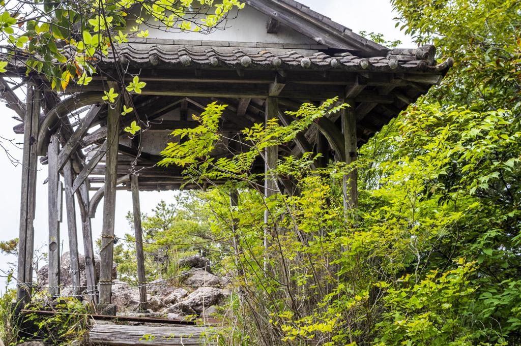 鳳来寺山の天狗岩展望台