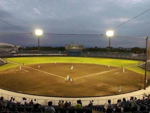 上毛新聞敷島球場(バックネット裏から)
