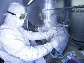 ノバルティスの米国の施設でT細胞を遺伝的に加工し、「キムリア」を製造する(ニュージャージー州)