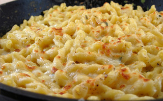 j-olivers-mac-and-cheese-2-golden
