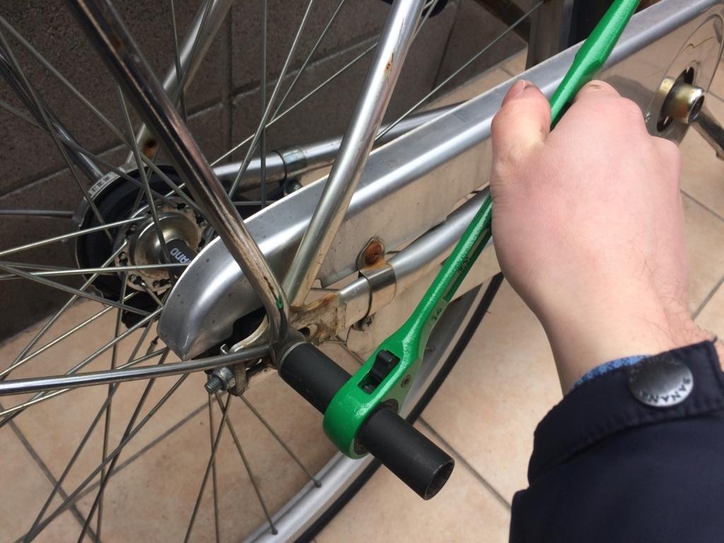 自転車、ママチャリのスタンドの外し方