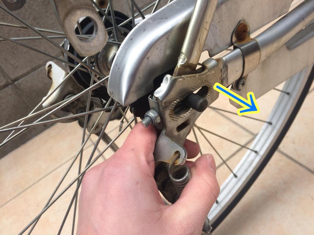 自転車、ママチャリのスタンドを交換するときの方法