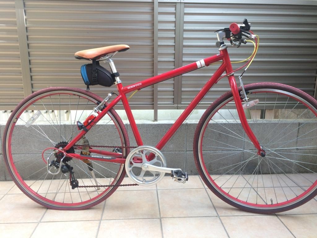 クロスバイク風自転車の後輪がパンク