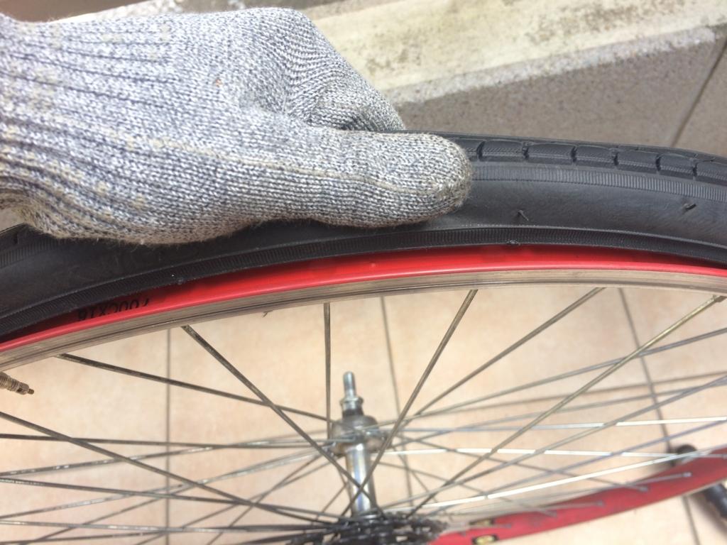 タイヤ、チューブ交換、パンク修理でチューブを確認