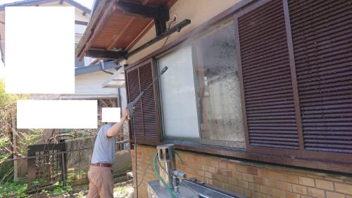築古戸建 ケルヒャーで窓ガラスの汚れを落とす