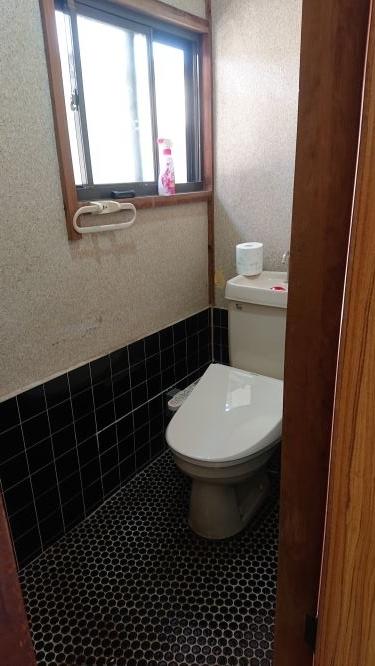 築古戸建 トイレのクロス貼り DIY