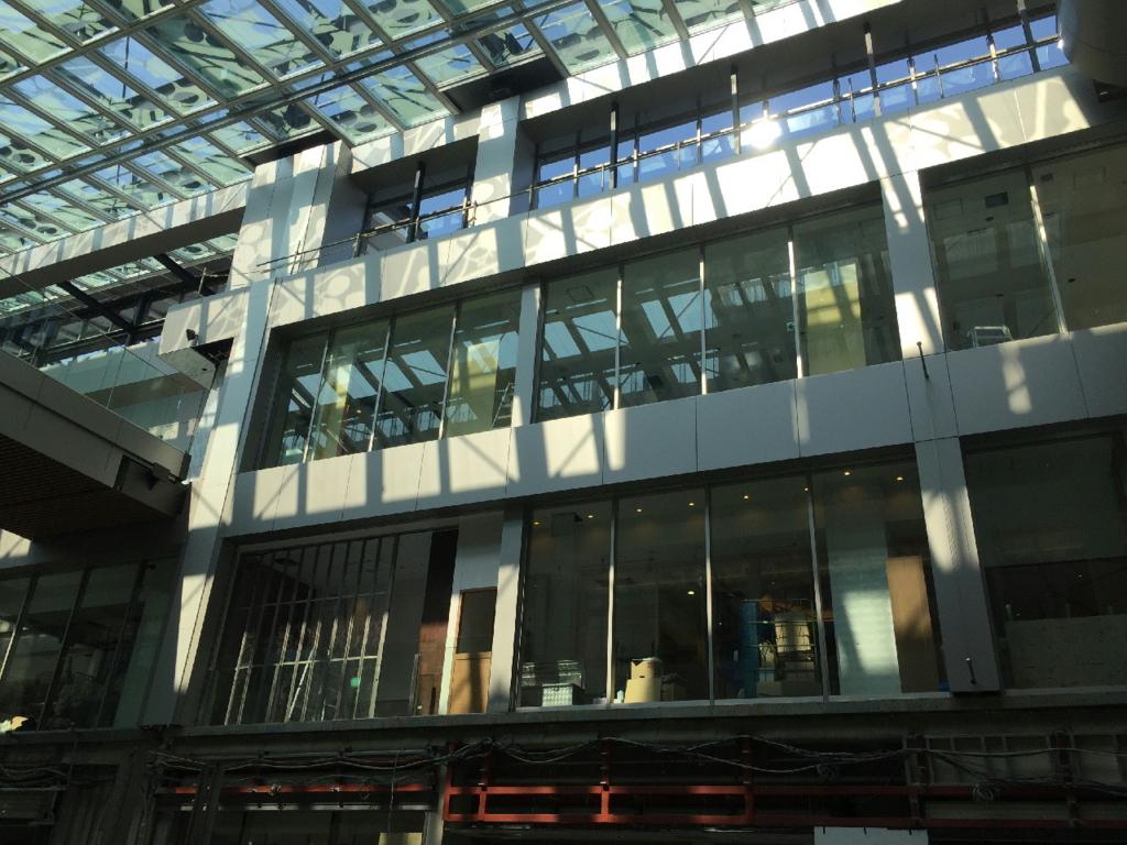 新仙台駅東西自由通路の開業前店舗の様子
