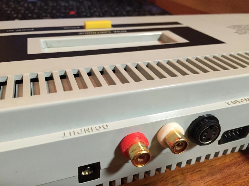 AV出力ができるようにした改造SG-1000Ⅱ