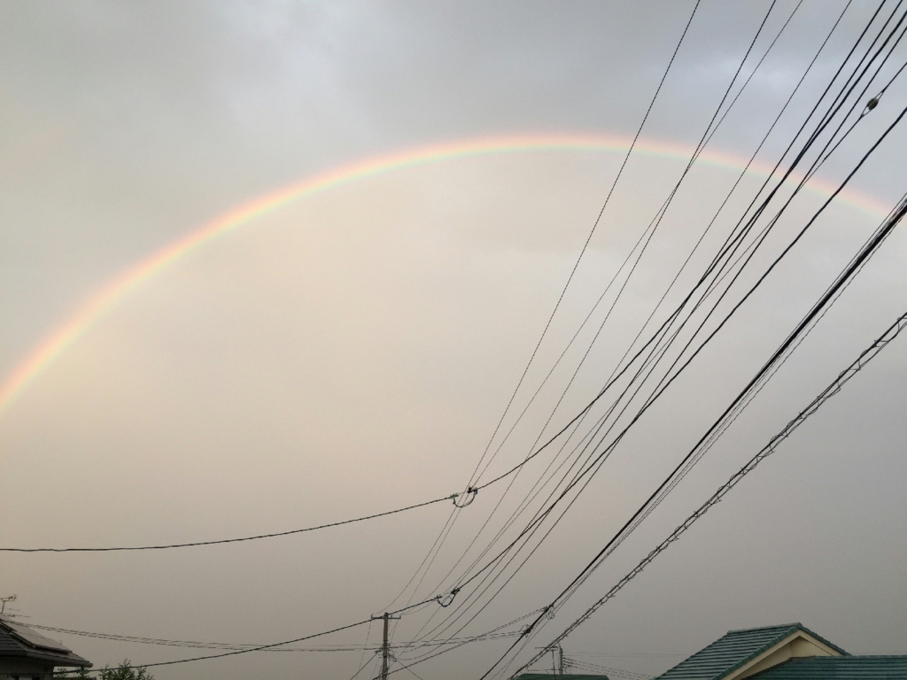 宮城県で見た雲にひろがる虹