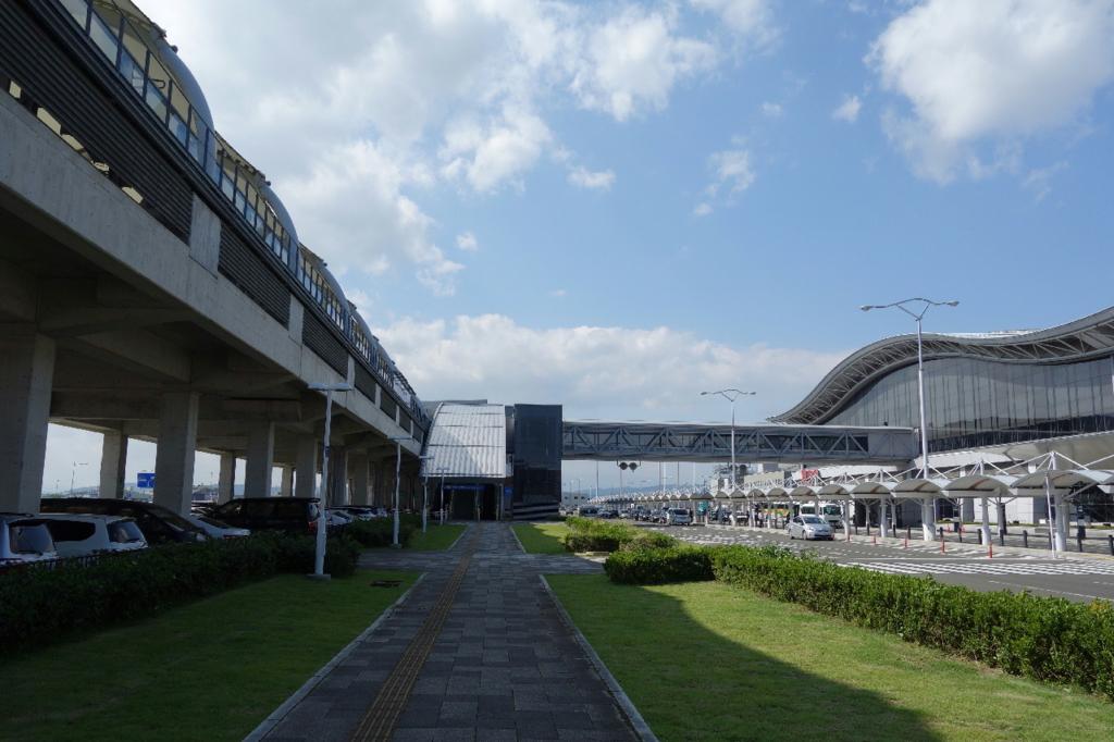 空港正面にある仙台空港駅