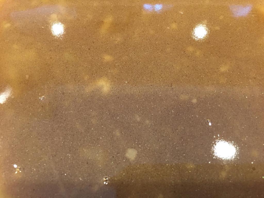 綺麗な色をしたラーメンビリー多賀城店のラーメンスープ