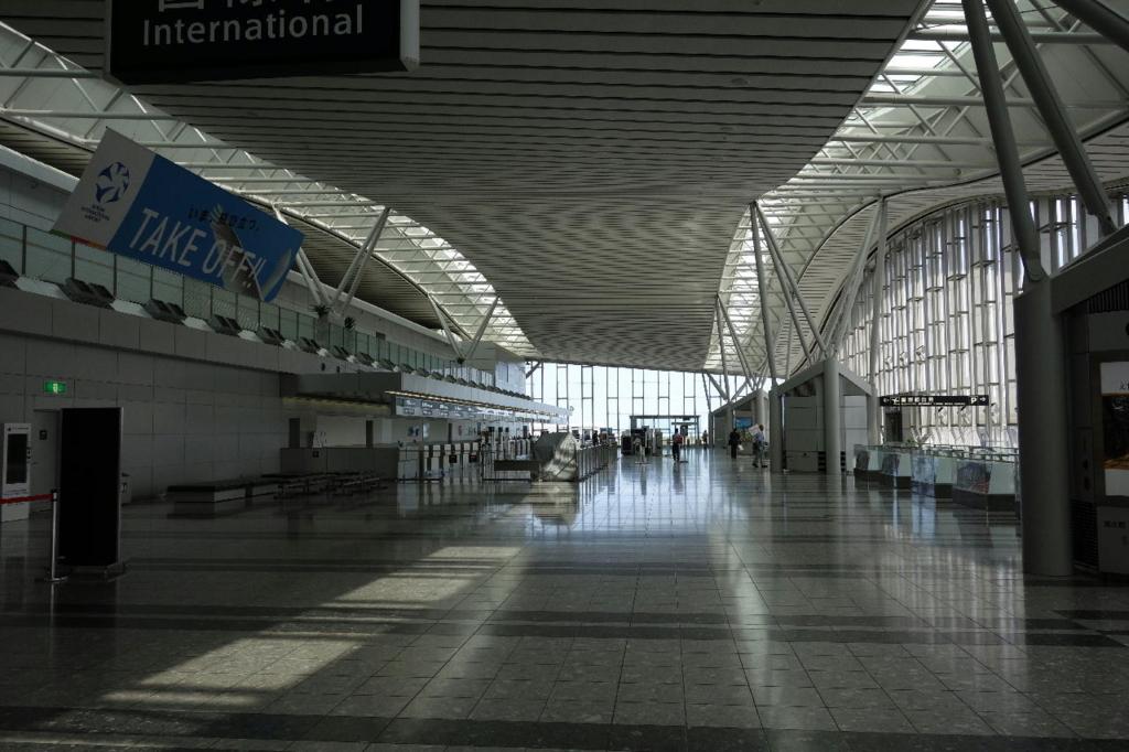 仙台国際空港ターミナルビル2階の国際線出発ロビー付近