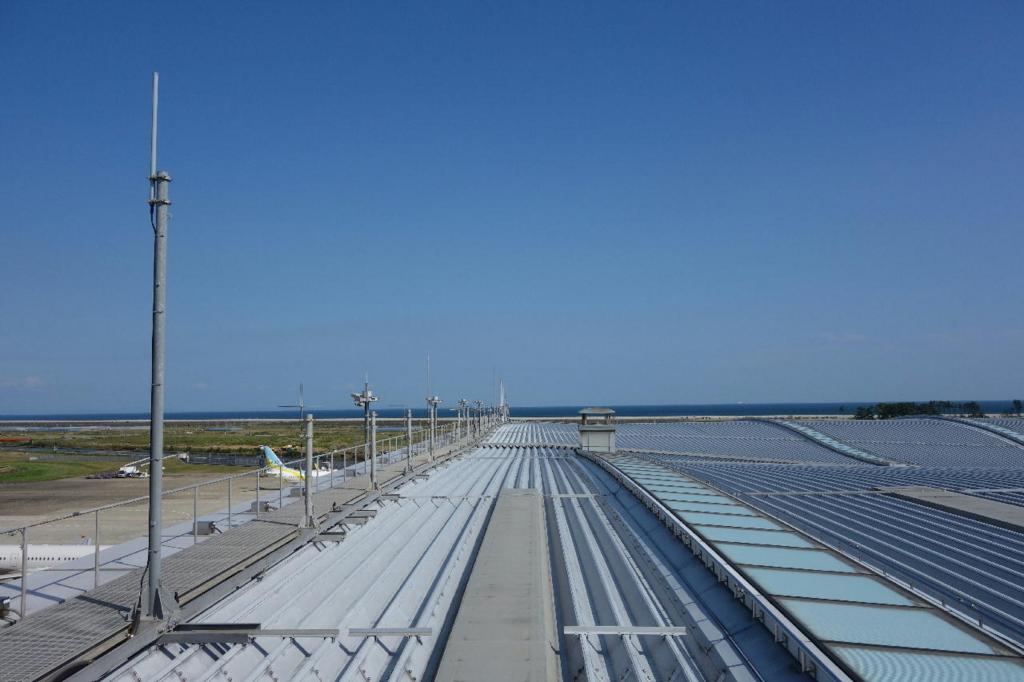 仙台国際空港の屋上展望デッキ(松島・金華山方面の風景)