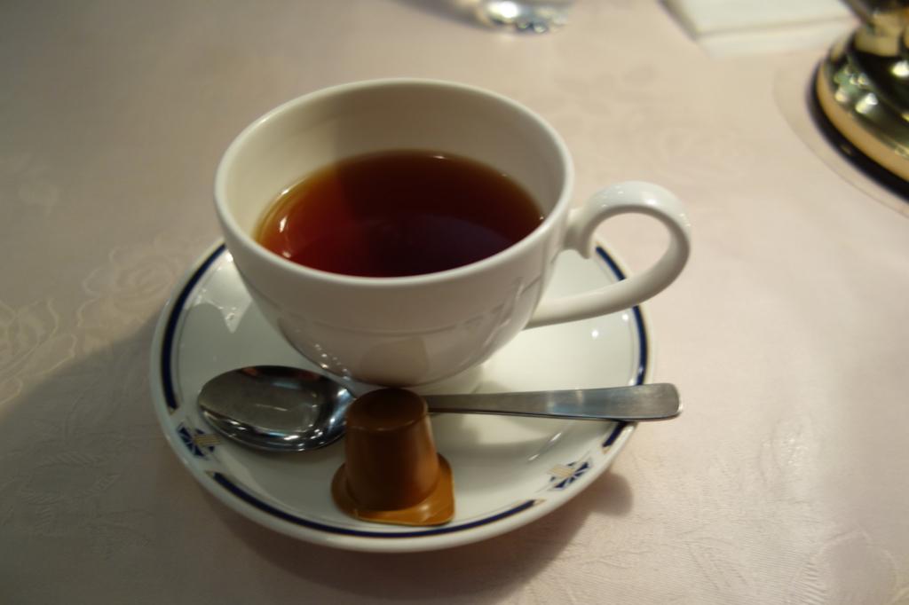 北斗星グランシャリオの煮込みハンバーグセット(紅茶)