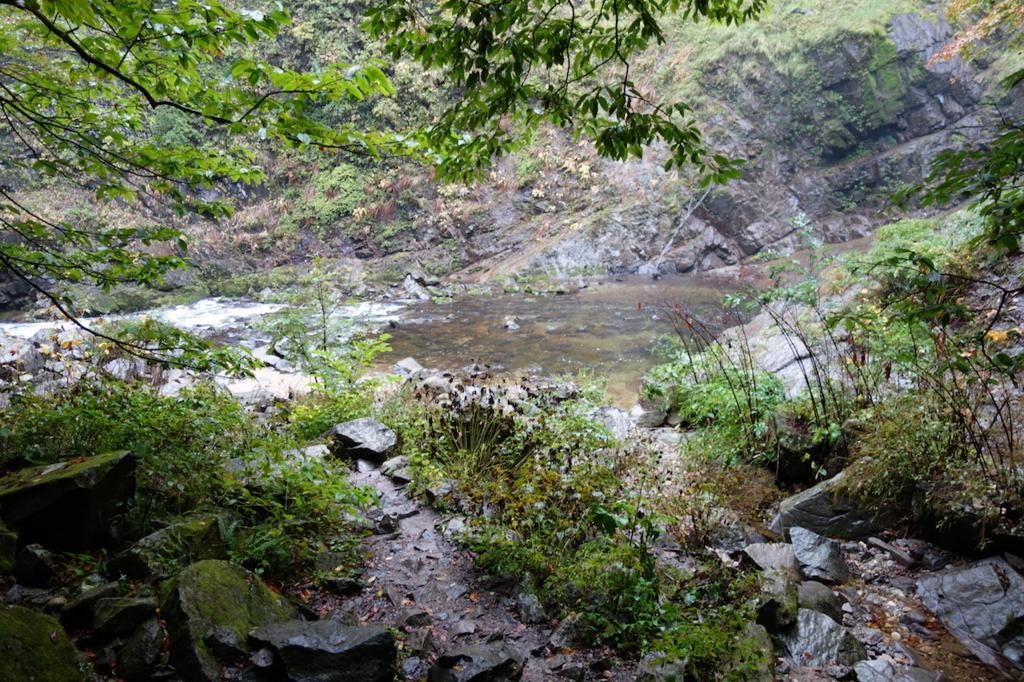 秋保大滝滝壺への道(見えてきた滝壺)