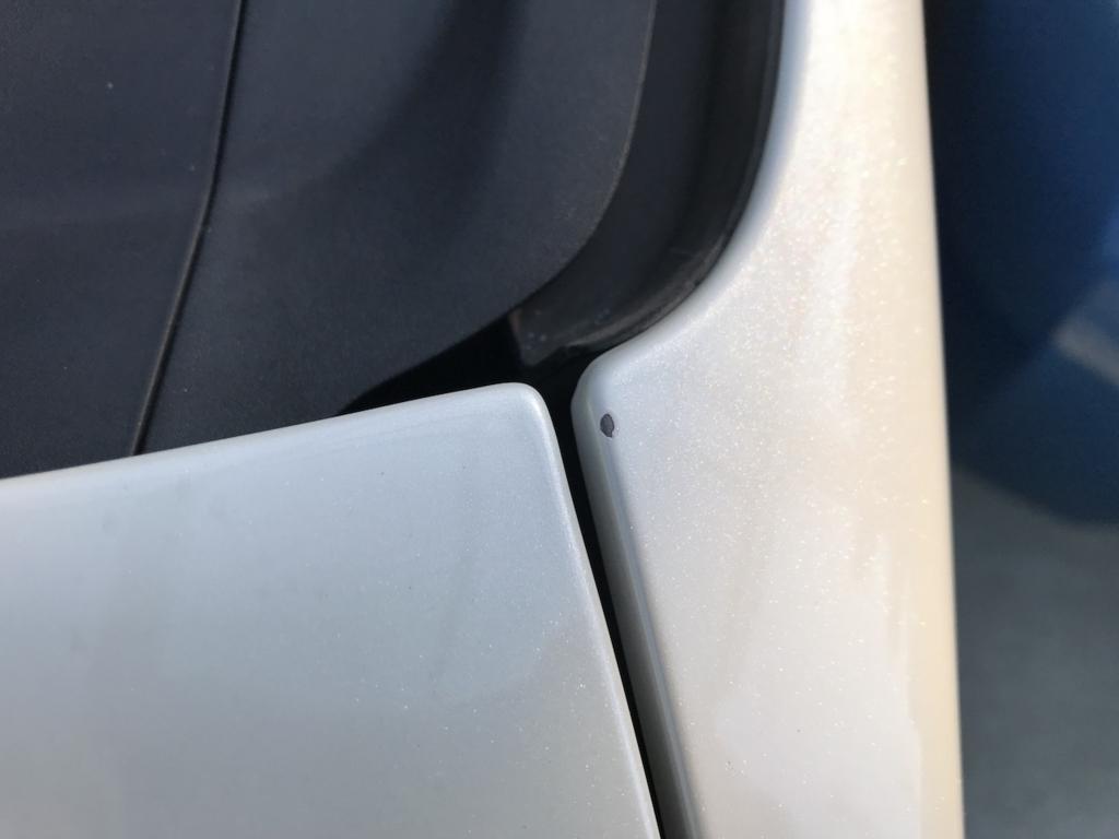 ZVW30プリウスの助手席側フェンダー(サビ落とし後)