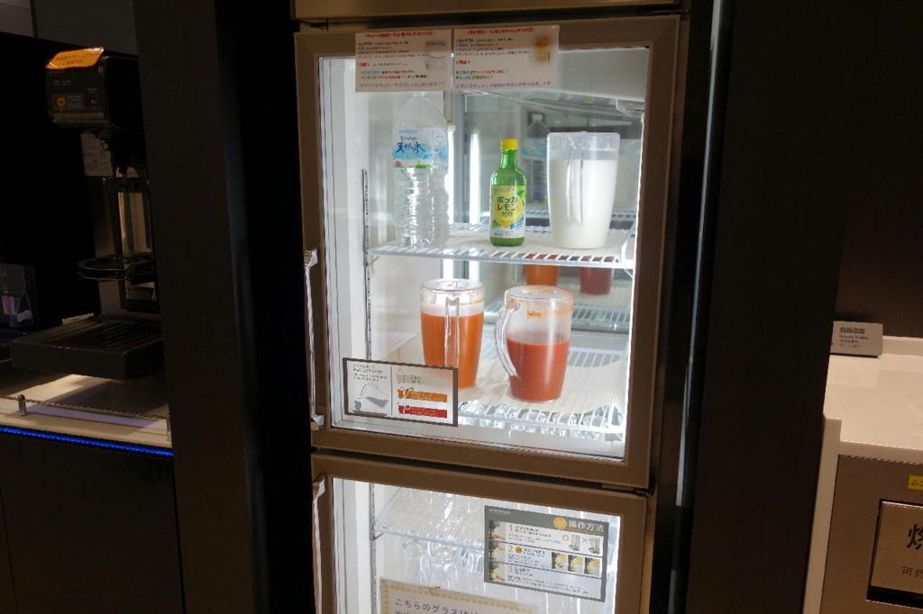 仙台国際空港のANAラウンジ(野菜ジュース類)