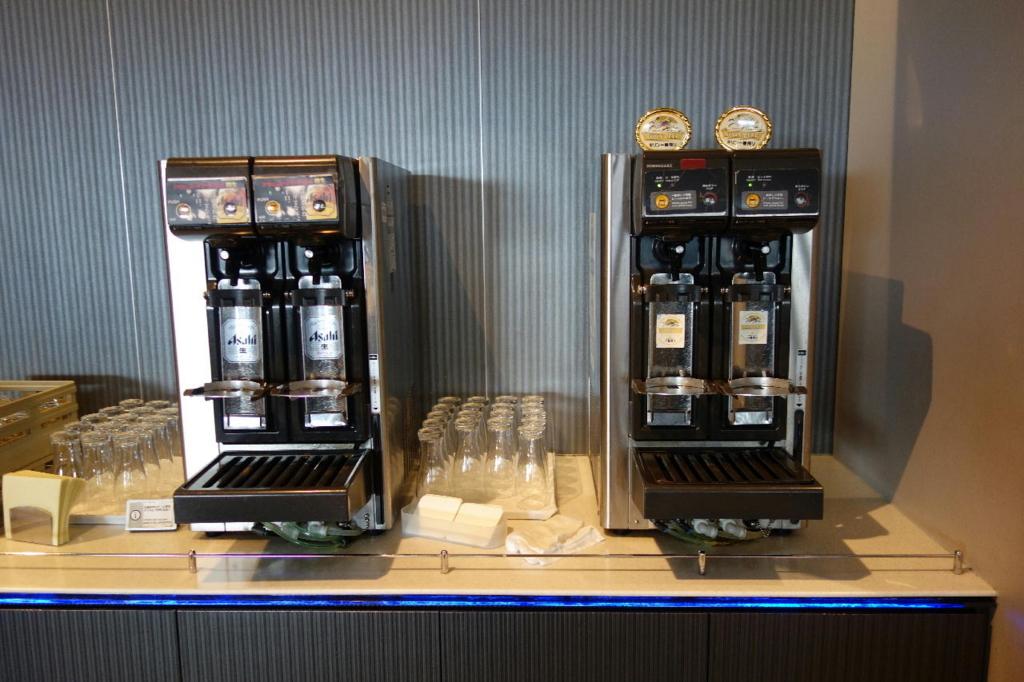 大阪国際空港のANAラウンジ(ビールサーバー)