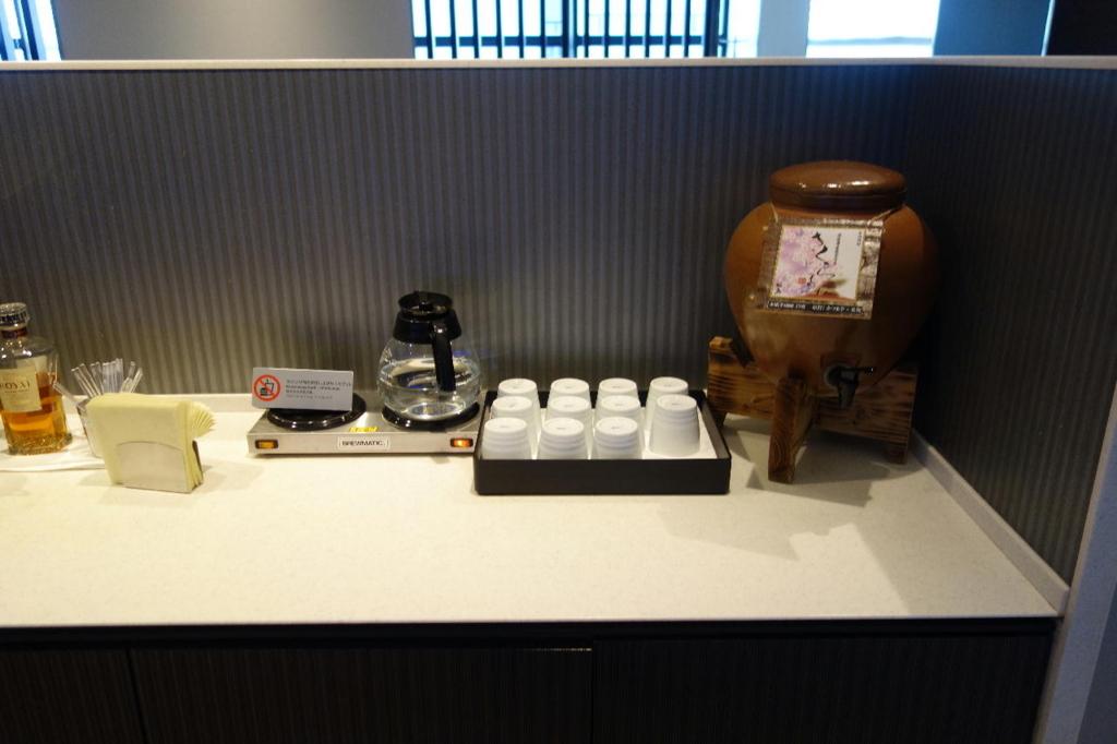 大阪国際空港のANAラウンジ(焼酎)