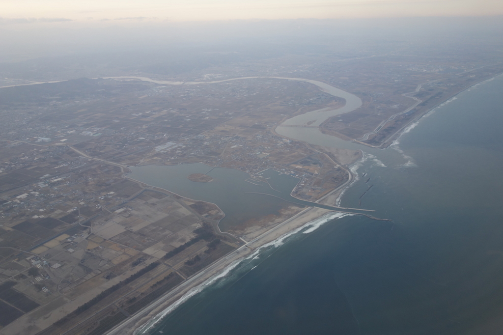 ANA1864便から見た夕方の仙台国際空港上空付近(平成30年1月19日)