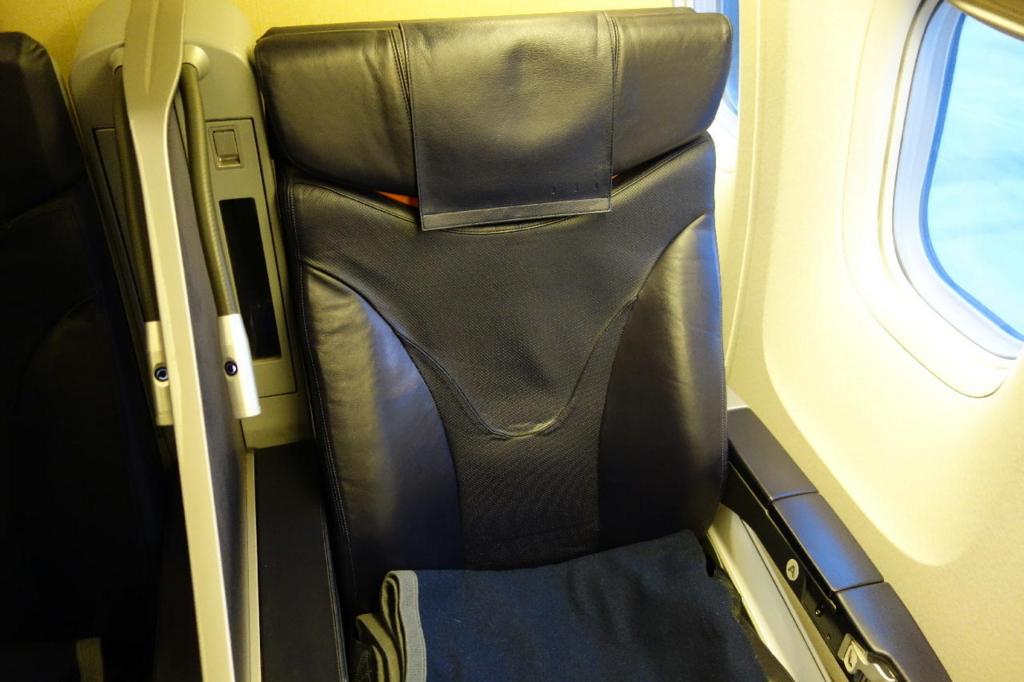ANA1864便のプレミアムクラスシート(平成30年1月19日)