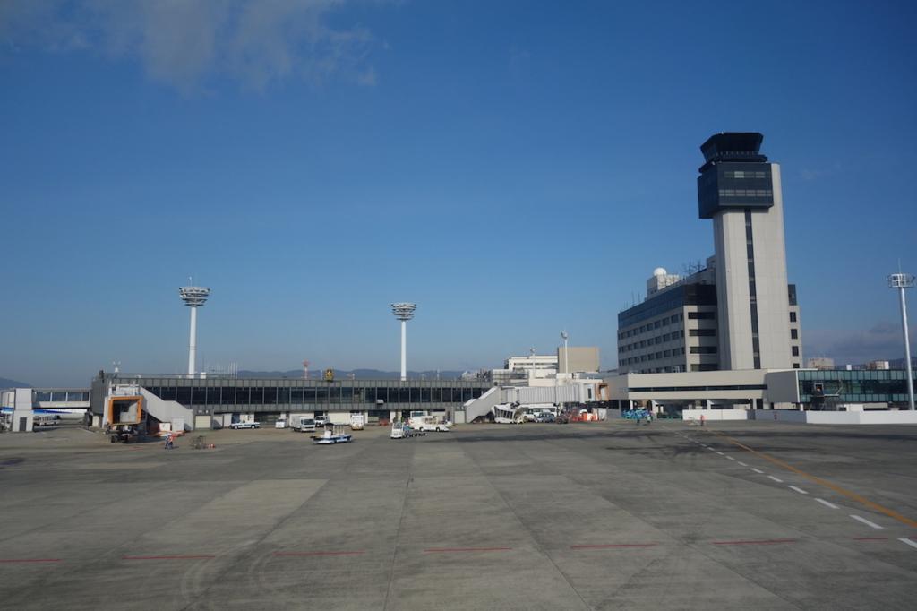 ANA732便から見た朝の大阪国際空港(平成30年2月5日)