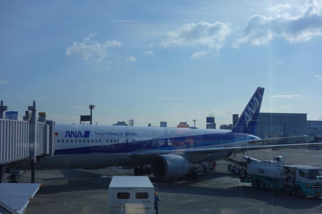 大阪国際空港に到着したANA732便(平成30年2月5日)