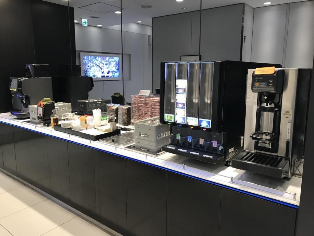 仙台国際空港のANAラウンジにあるコーヒーマシン(平成30年2月21日)