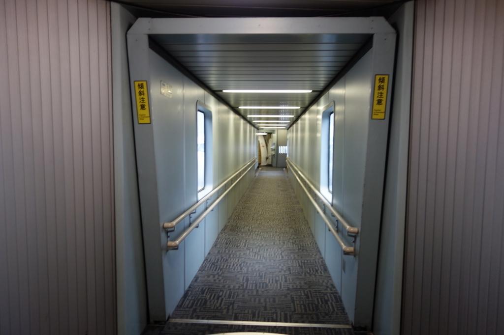 仙台国際空港のボーディングブリッジ(平成30年3月1日)