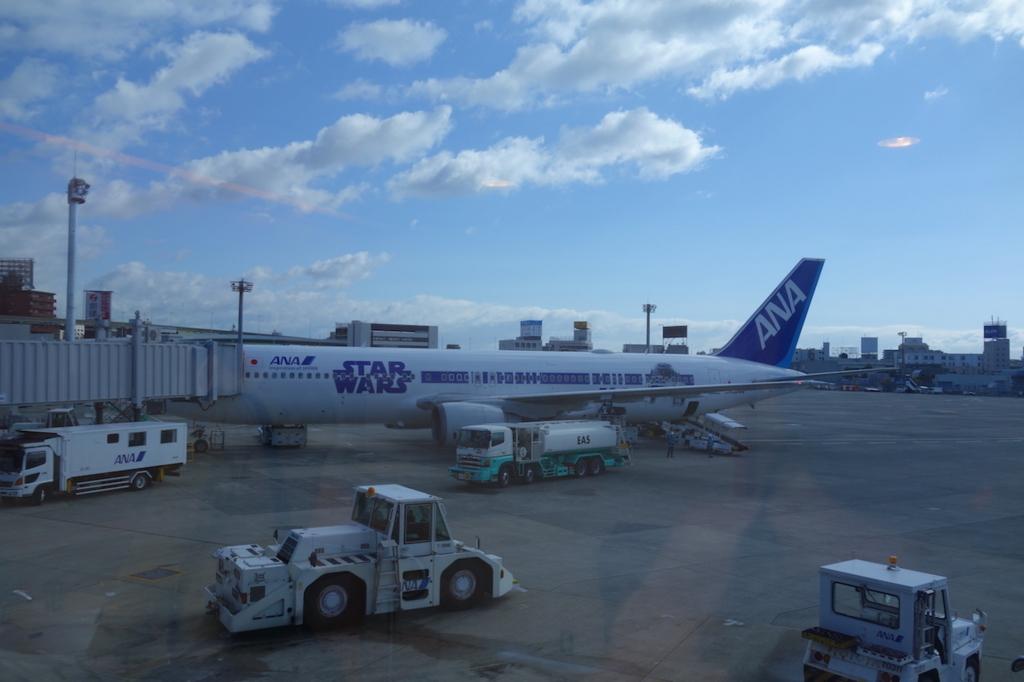 大阪国際空港に到着したANA732便(平成30年3月1日)