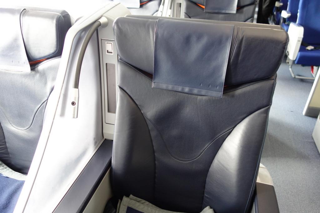 ANA765便のプレミアムクラスシート(平成30年3月1日)