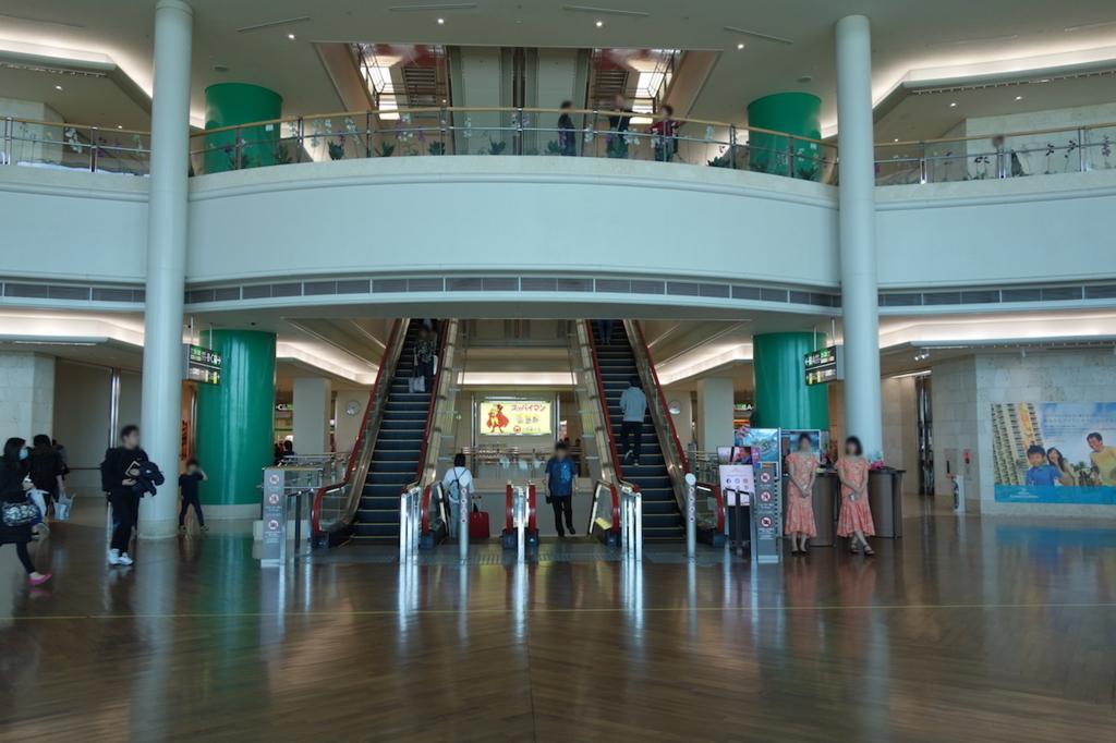 那覇空港2階にあるウェルカムホール(平成30年3月1日)