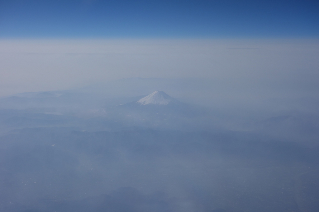 ANA732便から見た朝の富士山(平成30年3月27日)