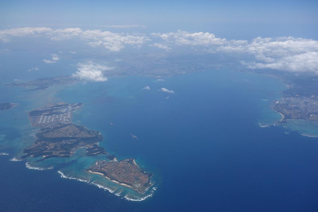 ANA765便から見た着陸直前の沖縄上空(平成30年3月27日)