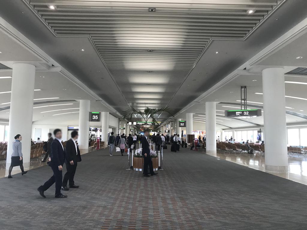 那覇空港ANAの搭乗口前(平成30年3月27日)