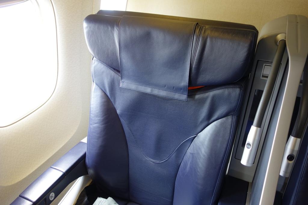 ANA1864便のプレミアムクラスシート(平成30年3月27日)