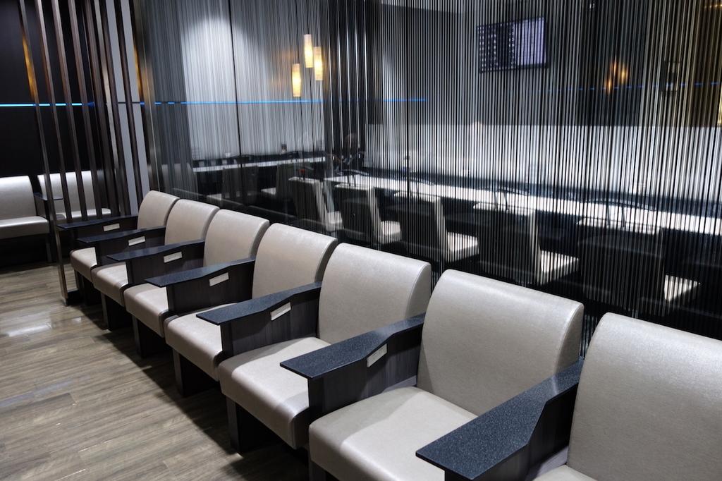 仙台国際空港のANAラウンジ 中央部椅子席(平成30年4月25日)