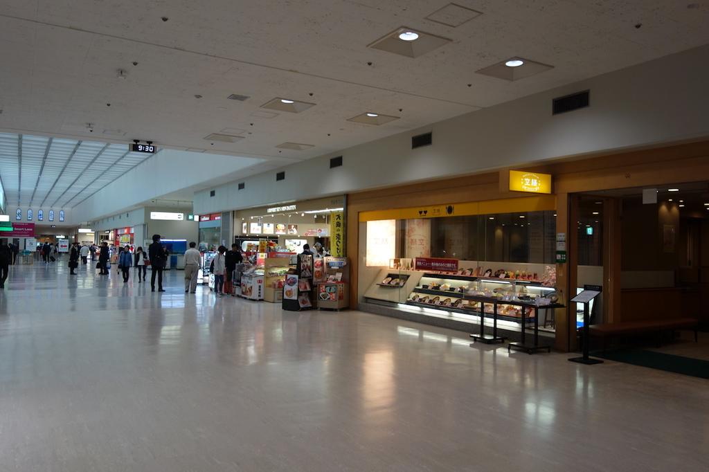 大阪国際空港北ターミナル2Fのレストラン街(平成30年4月25日)