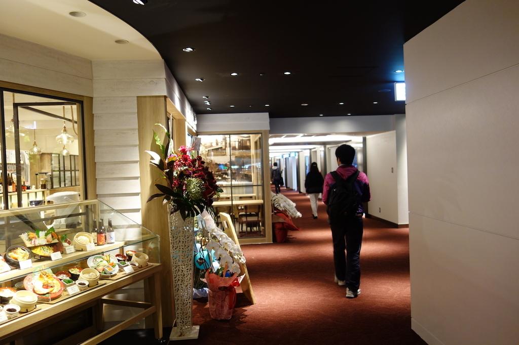 大阪国際空港中央ブロック3Fのレストラン街(平成30年4月25日)